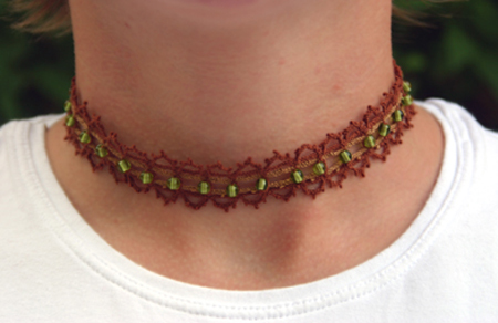 Brun-grönt halsband