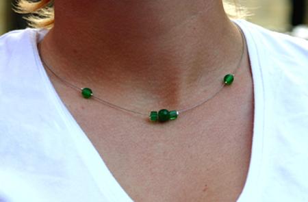 Gröna pärlor på wire